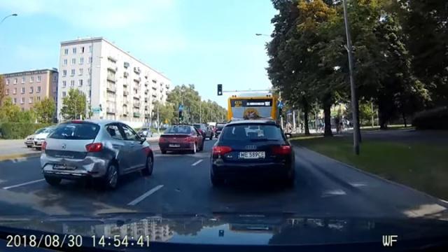 Warszawa. Kolizja na Bitwy Warszawskiej