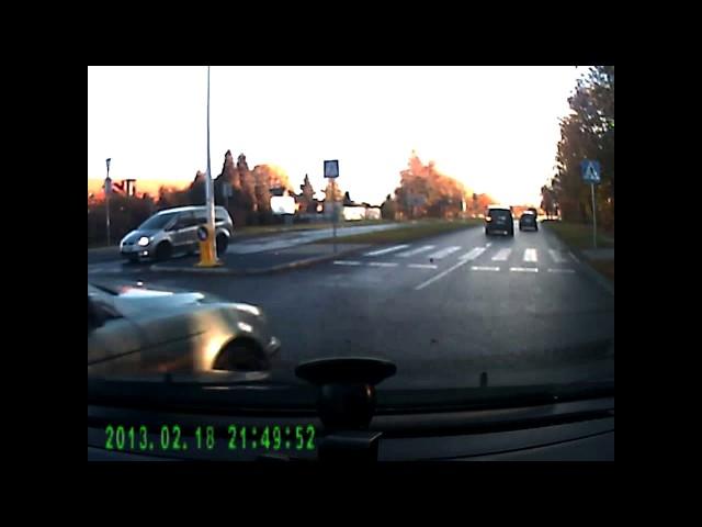 Wypadek drogowy na rondzie w Katowicach
