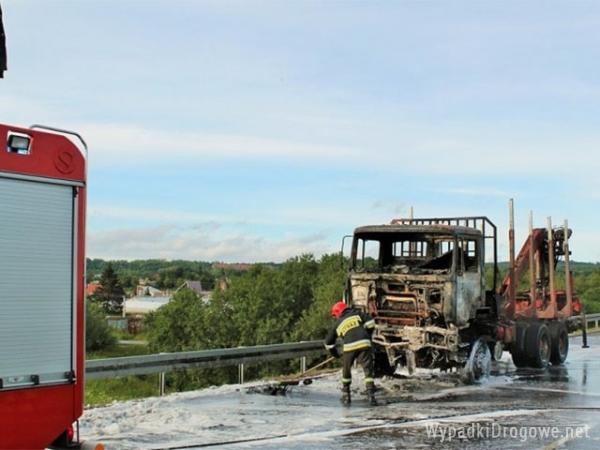 Pożar ciężarówki na obwodnicy Elbląga