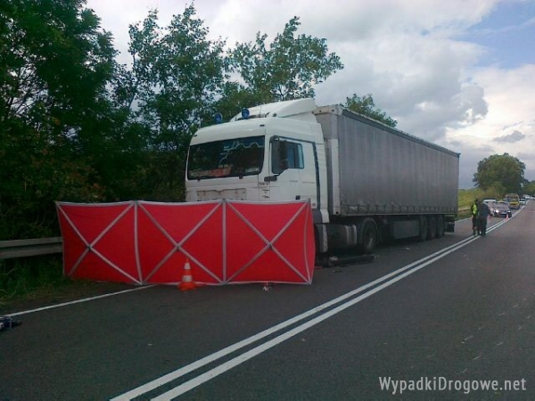 Tragedia na drodze w miejscowości Kochłowy: zginęły cztery osoby
