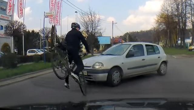 Potrącenie rowerzysty w Nowym Sączu